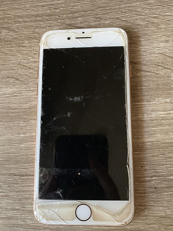 iPhone8の商品画像